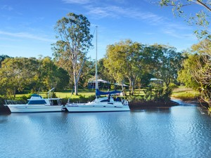 Deepwater Moorings, Acreage Living and a Historical Home - Now That's Lifestyle!