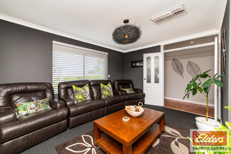 Photo - 38 Newstead Crescent, Parmelia WA 6167  - Image 9