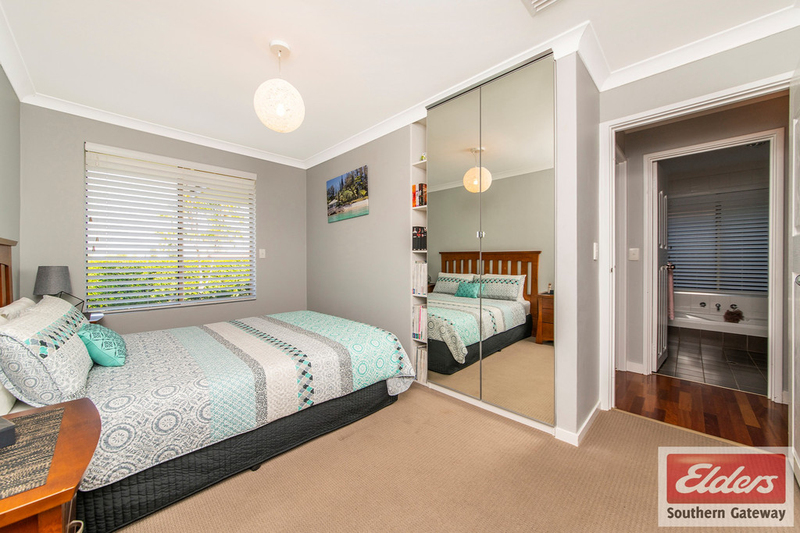Photo - 38 Newstead Crescent, Parmelia WA 6167  - Image 15
