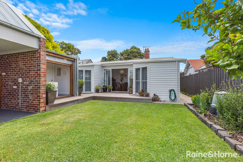 Photo - 39 Chandler Street, Williamstown VIC 3016  - Image 2
