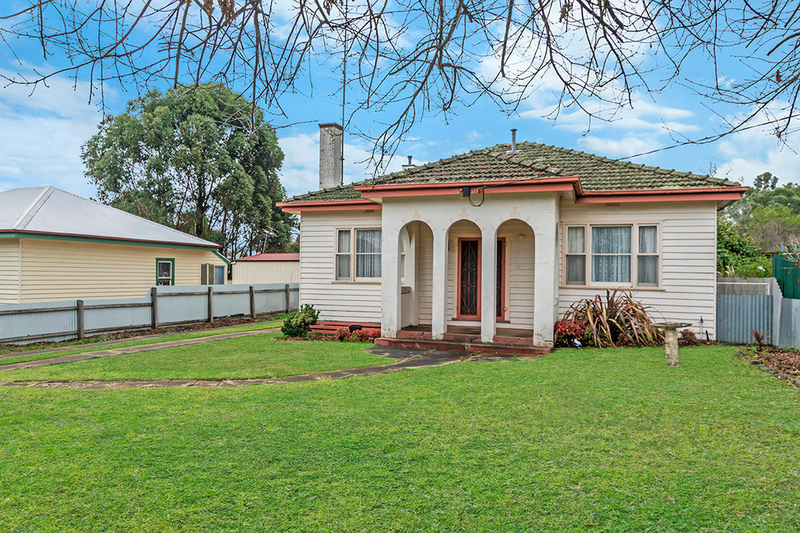39 Mount Napier Road, Hamilton VIC 3300