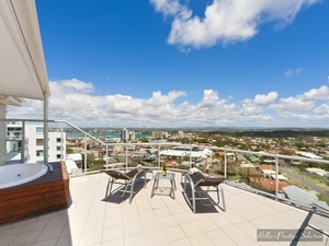 EXCEPTIONAL PENTHOUSE WITH BREATHTAKING PANORAMIC VIEWS