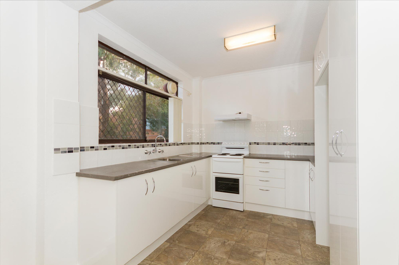 Photo - 39/6 Maclaurin Crescent, Chifley ACT 2606  - Image 4
