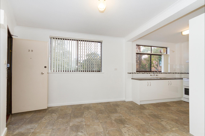 Photo - 39/6 Maclaurin Crescent, Chifley ACT 2606  - Image 5