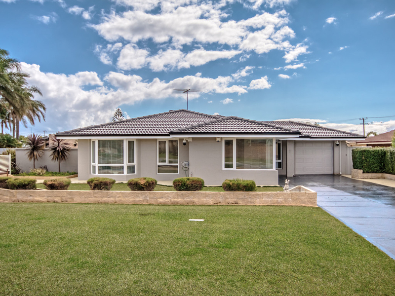 4 Alfred Close, Safety Bay WA 6169