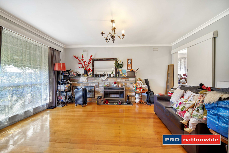 Photo - 4 Arcade Way, Avondale Heights VIC 3034  - Image 2