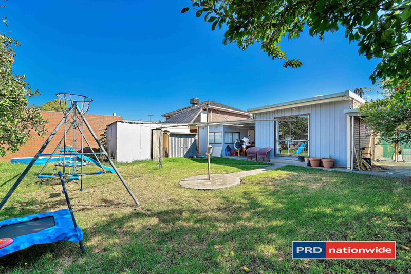 Photo - 4 Arcade Way, Avondale Heights VIC 3034  - Image 8