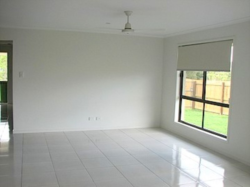 Photo - 4 Blanfords Court, Cooroy QLD 4563  - Image 4