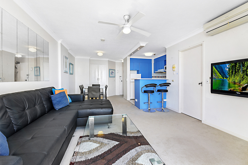 Photo - 4 Britannia Avenue, Broadbeach QLD 4218  - Image 4