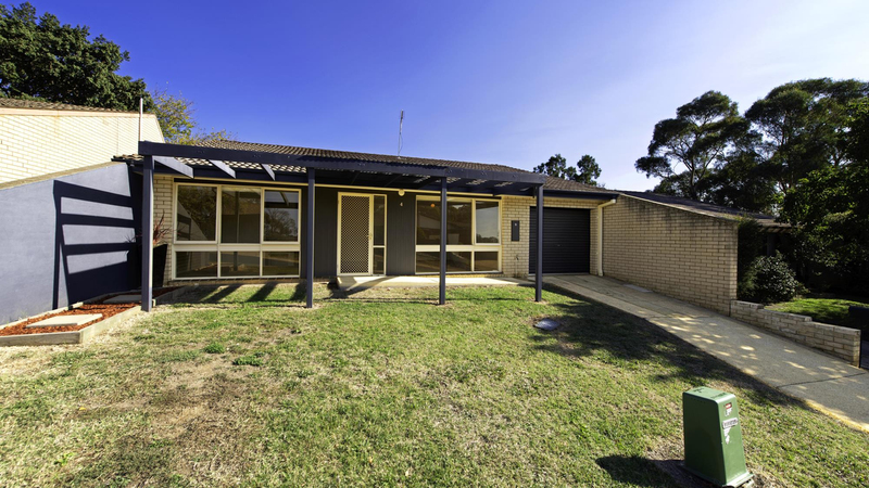 4 Brownlow Place, Holt ACT 2615