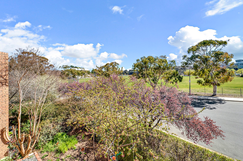 4 Cammeray Court, 12 Albermarle Place, Phillip ACT 2606