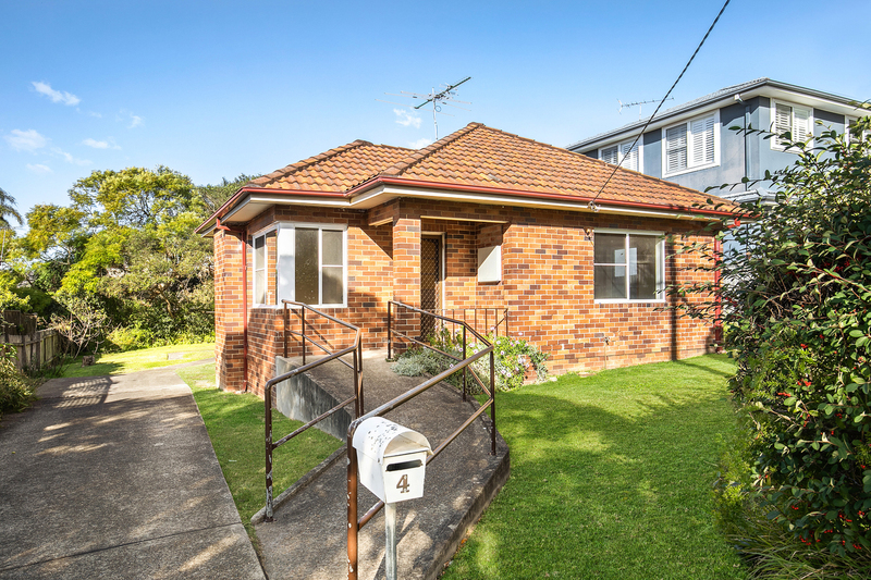 4 Fromelles Avenue, Seaforth NSW 2092
