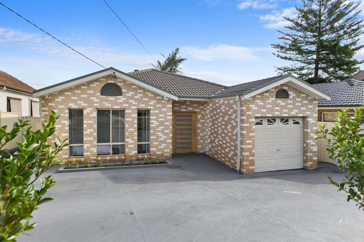 4 Robertson Street, Guildford NSW 2161