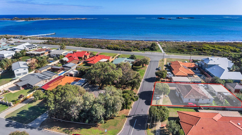 4 Seaforth Road, Shoalwater WA 6169
