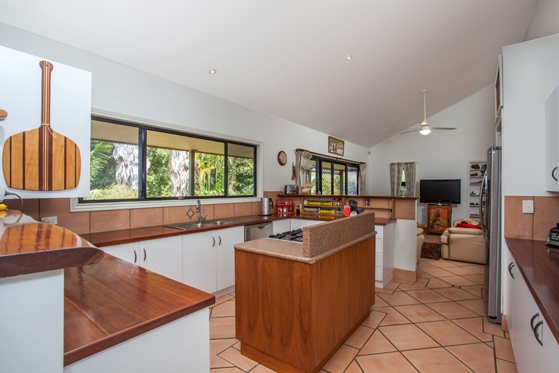 Photo - 40 Belleden Place, Cooroy QLD 4563  - Image 7