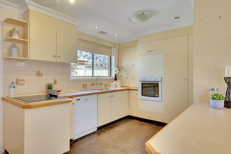 Photo - 40 Cooney Court, Charnwood ACT 2615  - Image 8