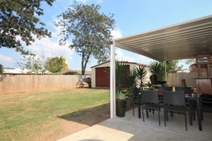 ****Neat as Pin with side access and a SHED*****