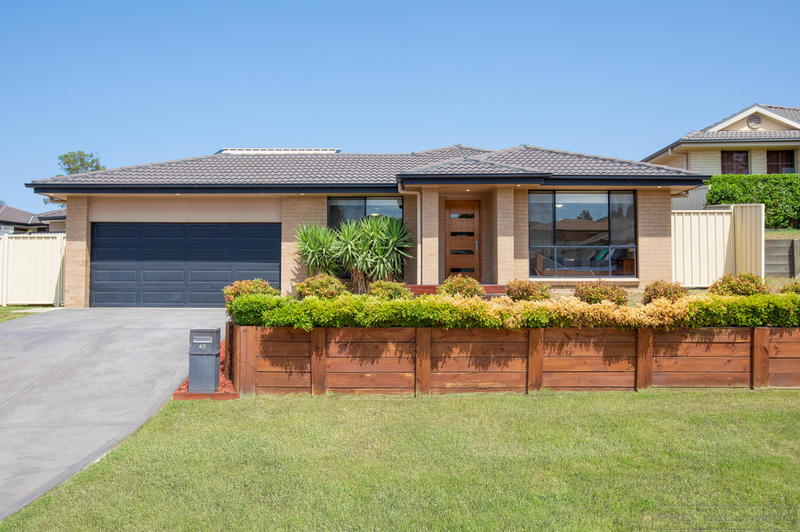 42 Clayton Crescent, Rutherford NSW 2320