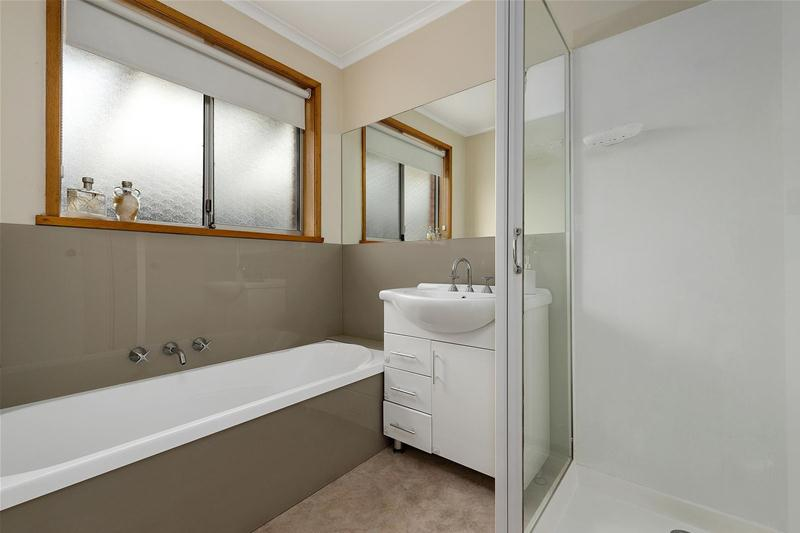 Photo - 42 Hilton Road, Claremont TAS 7011  - Image 4