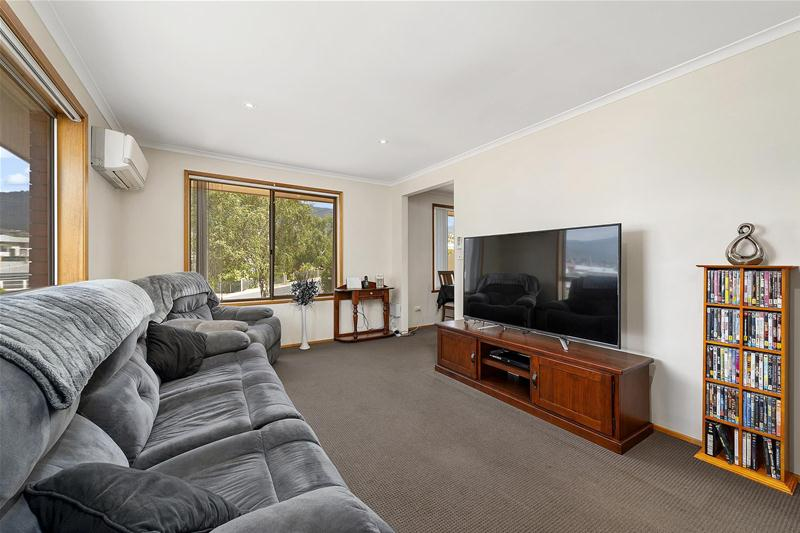 Photo - 42 Hilton Road, Claremont TAS 7011  - Image 7