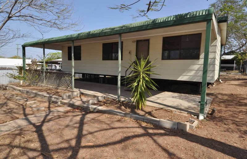 42 Hodgkinson Street, Charters Towers City QLD 4820