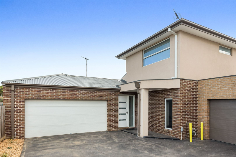 4/22 Myrtle Grove, North Shore VIC 3214
