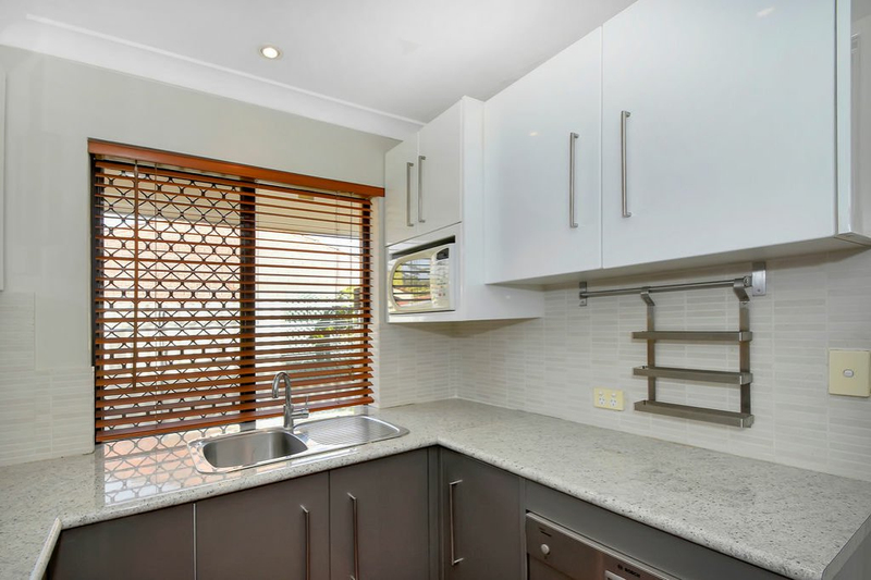 Photo - 4/25 Wheatcroft St Scarborough WA 6019  - Image 2