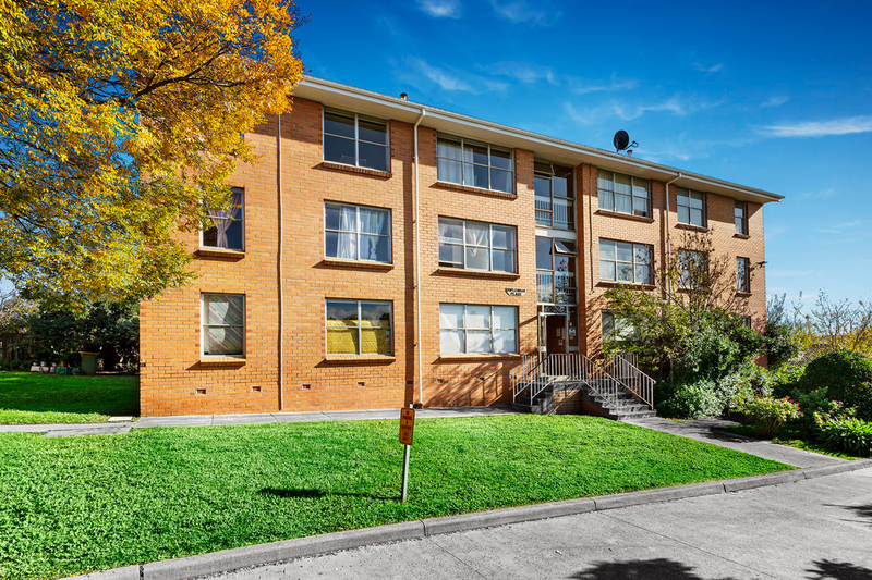 4/3 Mclennan Place, Preston VIC 3072