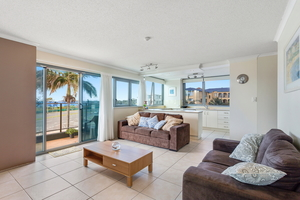WELL POSITIONED – COMFORTABLE – OCEAN VIEWS