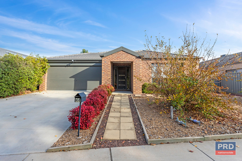 44 The Boulevard, White Hills VIC 3550