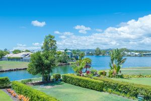 Beautifully Presented Unit in Waterfront Complex
