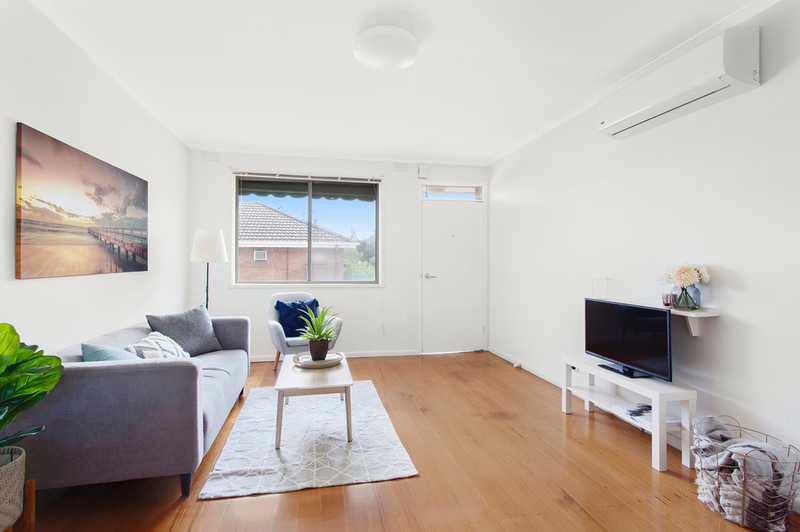 Photo - 4/6 Normanby Street, Hughesdale VIC 3166  - Image 1