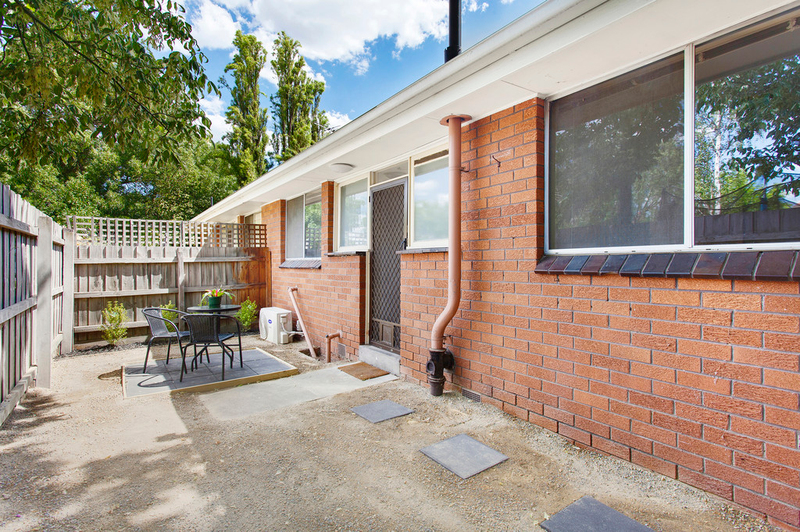 Photo - 4/6 Normanby Street, Hughesdale VIC 3166  - Image 2