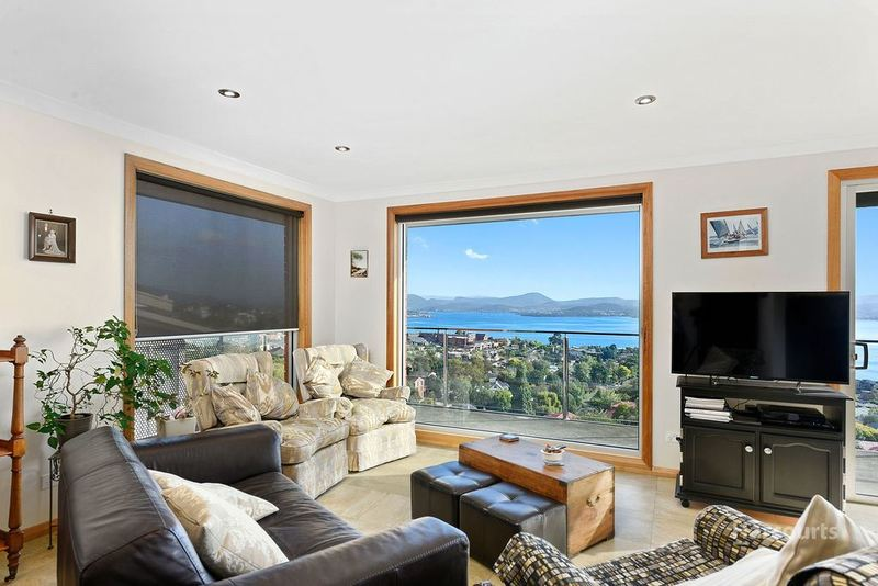 477 Churchill Avenue, Sandy Bay TAS 7005