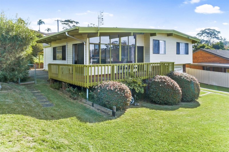 49 Clissold Street, Mollymook NSW 2539