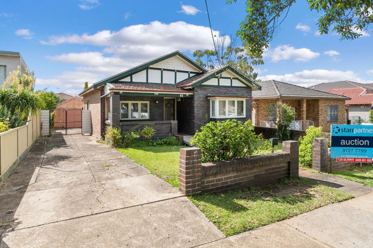 49 Henry St Punchbowl NSW 2196
