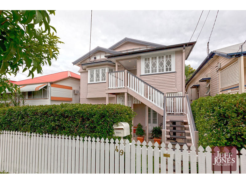 49 Peach Street, Greenslopes QLD 4120