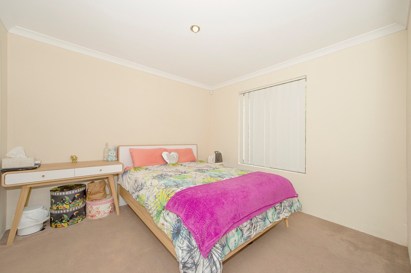 Photo - 4/90 Renou Street, East Cannington WA 6107  - Image 7