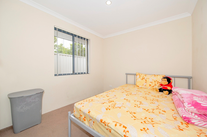 Photo - 4/90 Renou Street, East Cannington WA 6107  - Image 10