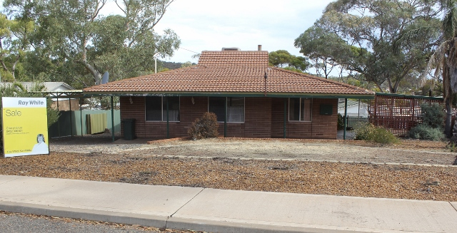 Photo - 5 Bachelor Ave Kambalda East WA 6442  - Image 1