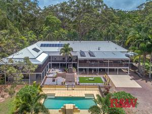 Modern Renovated Rural Property in Noosa