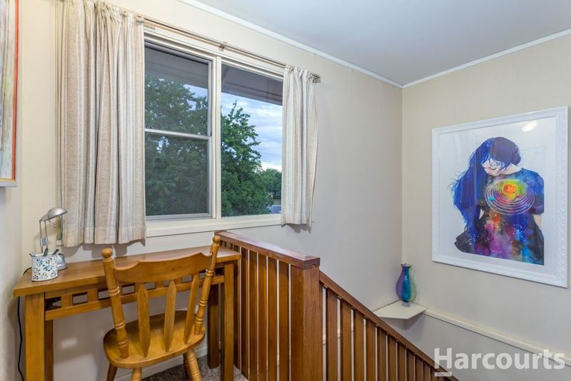 Photo - 5 Carruthers Street, Curtin ACT 2605  - Image 5
