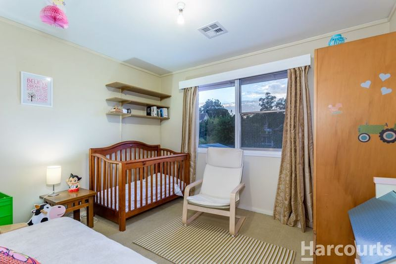 Photo - 5 Carruthers Street, Curtin ACT 2605  - Image 8