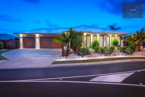 Expansive Brightwater Family Home on 714m2
