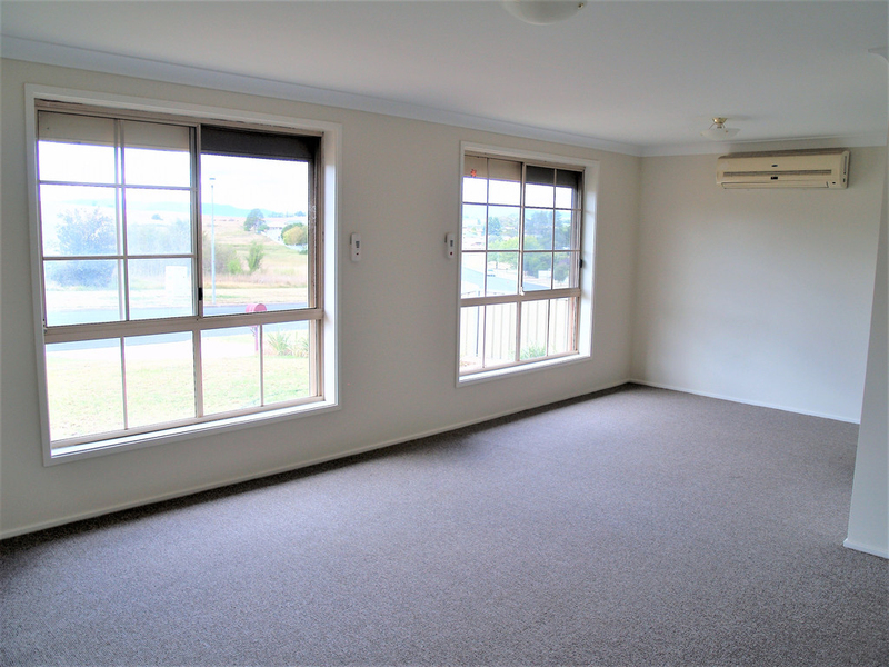 Photo - 50 Bonnor Street, Kelso NSW 2795  - Image 2