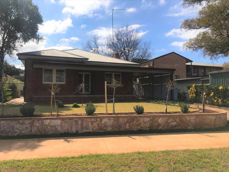 50 Orange Street, Parkes NSW 2870