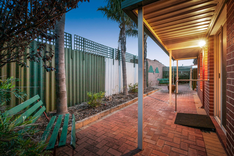 Photo - 50C Hanlon Street, Hamilton Hill WA 6163  - Image 26