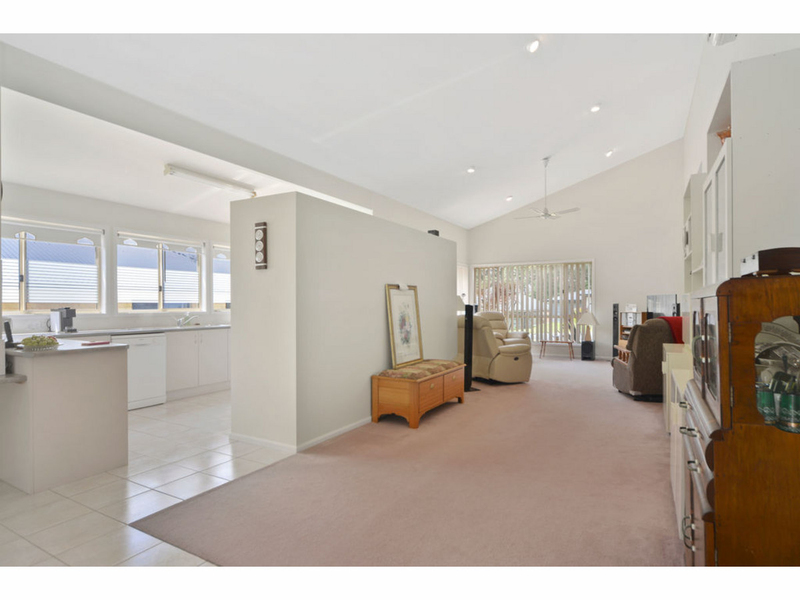 Photo - 51 Cammaray Drive, St Georges Basin NSW 2540  - Image 2