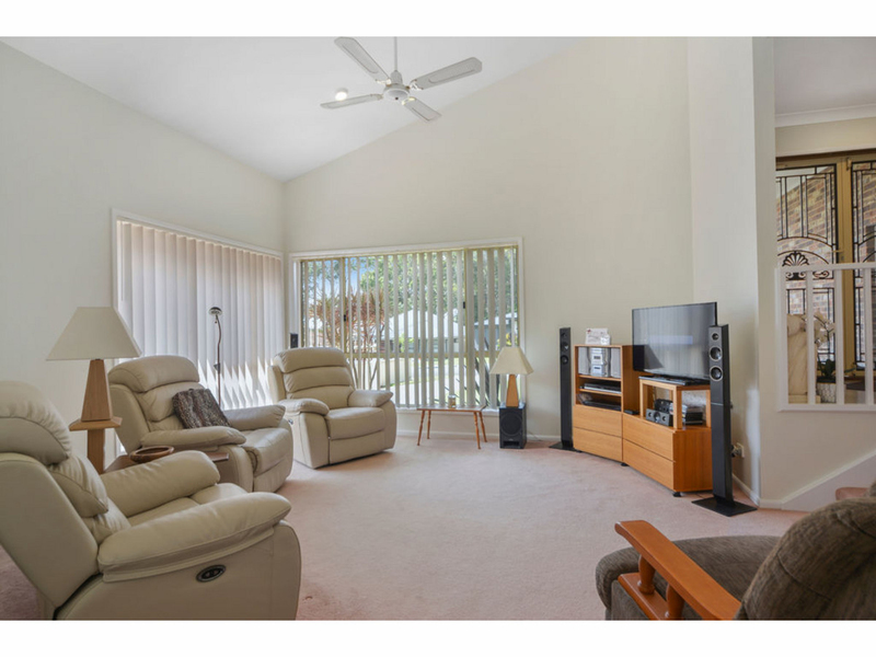 Photo - 51 Cammaray Drive, St Georges Basin NSW 2540  - Image 3