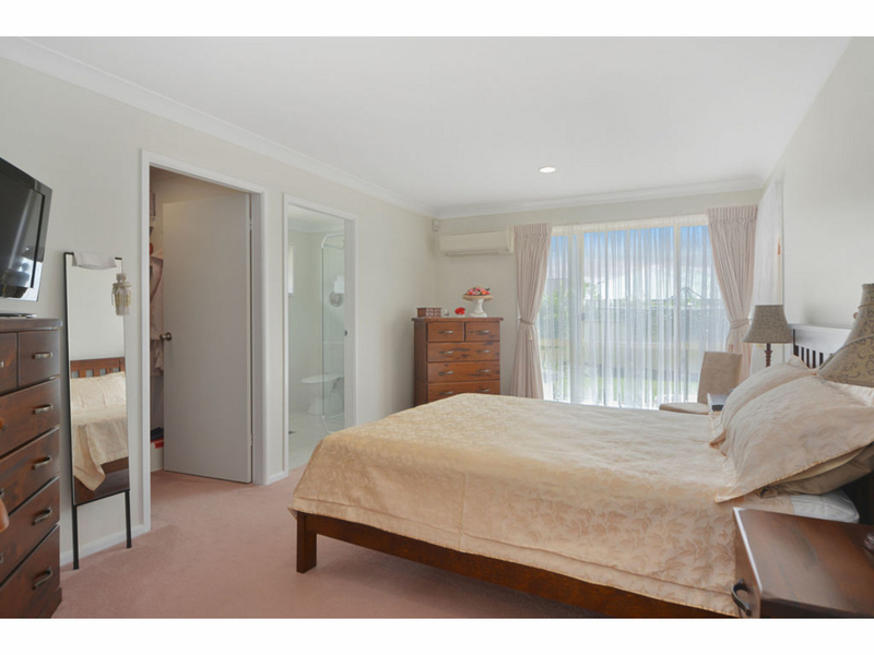 Photo - 51 Cammaray Drive, St Georges Basin NSW 2540  - Image 7